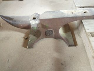 Antique Anvil 200 Lbs (mv Anvil)
