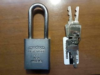 Medeco Metrolock 52 - 5 With 3 Keys And Card High Security Padlock