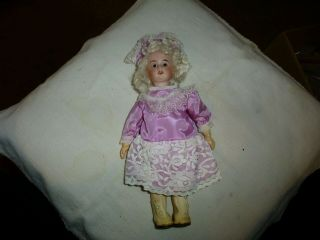"""9 """" Antique Bisque Head Doll - Composition Body - Jointed - White Mohair Wig - """" Drp 185 1"""