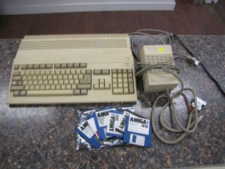 Vintage Commodore Amiga A500 Computer With Power Supply & Disks - Great